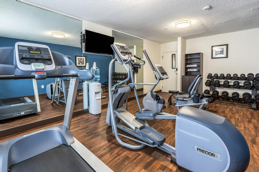 Fitness Center 9 of 17