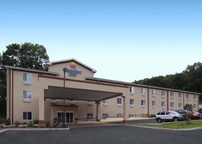 The Beautiful Comfort Inn In Naugatuck Ct 2 of 17