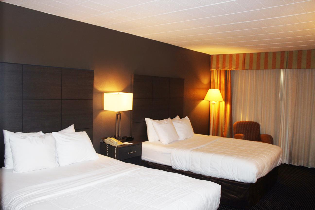 Clarion Hotel Guestrooms With 2 Queen Beds