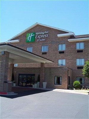 Holiday Inn Express & Suites 1 of 28