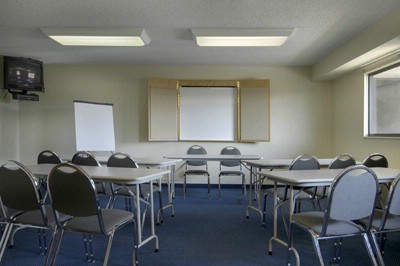 Meeting Room 4 of 6