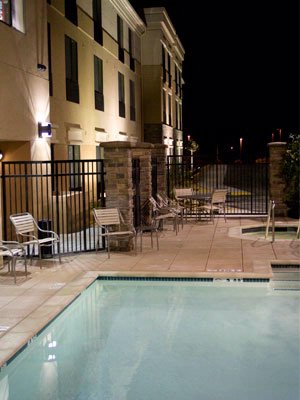 Springhill Suites Hotel Pool 17 of 18