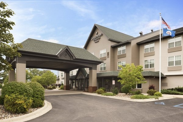 Country Inn & Suites East