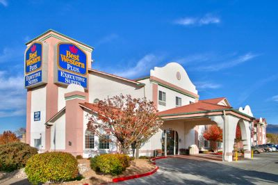 Best Western Plus Executive Suites 1 of 6