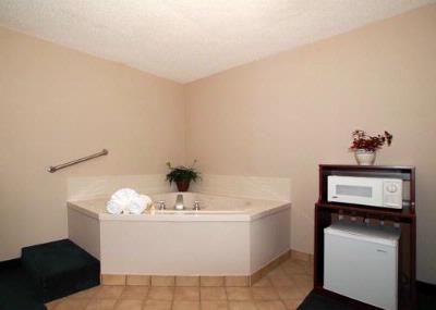 Guest Room With Whirlpool Bathtub 3 of 5