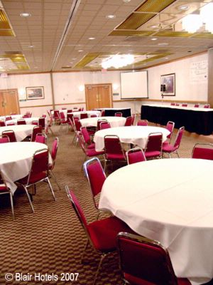 Holiday Inn Banquet Room 7 of 11