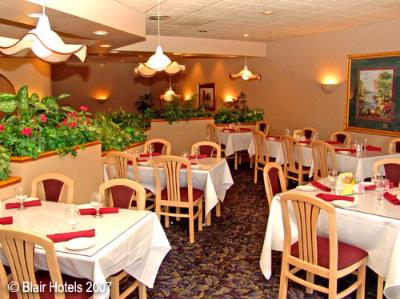 Qt\'s Restaurant At The Holiday Inn 8 of 11