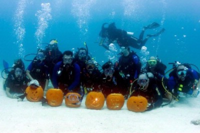 Underwater Pumpkin Carving Contest 11 of 16