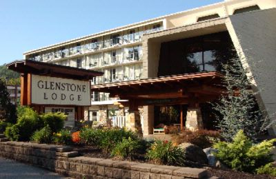 Glenstone Lodge: Located Only Five Short Walking Minutes To Downtown Gatlinburg And Hundreds Of Shops Restaurants And Attractions. 2 of 10
