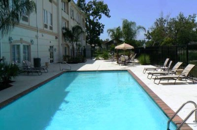 Hotel\'s Pool 4 of 4