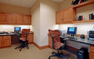 Enjoy Complimentary Use Of Our 24hr Business Center. 8 of 12