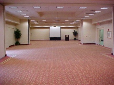 Iberville Ballroom Empty 5 of 10
