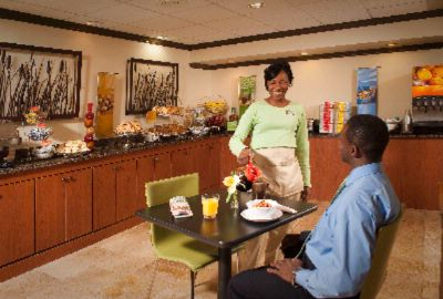Enjoy Friendly Staff And Complimentary Hot Breakfast At Hampton Inn Brunswick 6 of 9