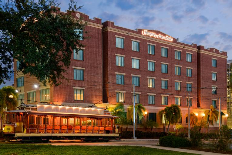 Hampton Inn & Suites Ybor City / Downtown Tampa 1 of 13