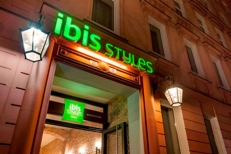 Ibis Styles Berlin City Ost 1 of 4
