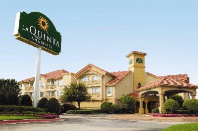 La Quinta Inn & Suites Tampa Usf 1 of 3