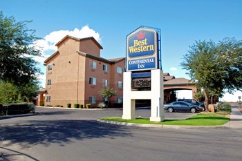 Comfort Inn & Suites 1 of 5