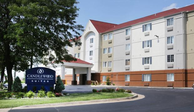 Candlewood Suites 1 of 13