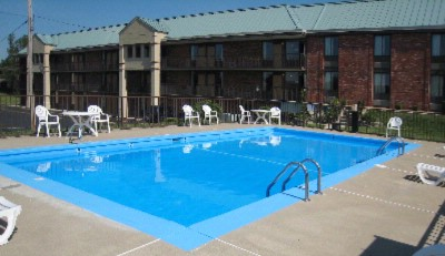 Outdoor Pool 9 of 14