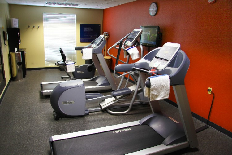 Fitness Center 16 of 20