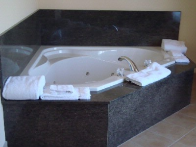 Jacuzzi Suite 15 of 26