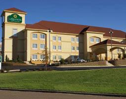 La Quinta Inn & Suites Vicksburg 1 of 7