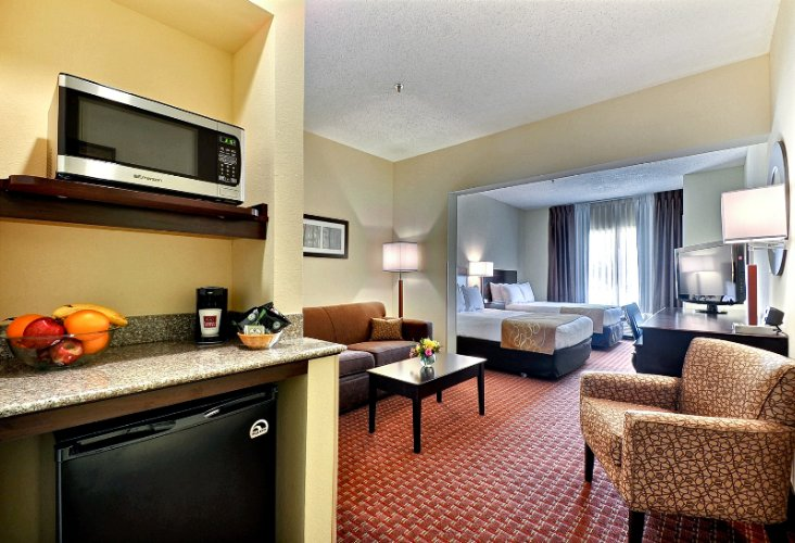 Standard Double Suite 6 of 10
