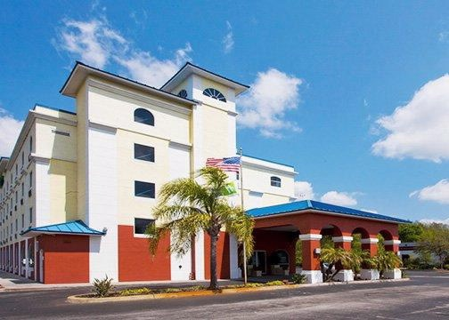 Quality Inn Wesley Chapel 1 of 9