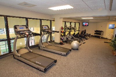 Fitness Center 4 of 10