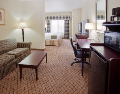As Seen All Of Our Rooms Have A Suite Like Feel To Them. 4 of 5