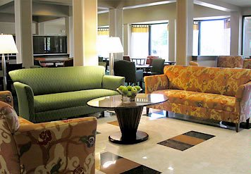 Our Intimate And Elegant Lobby Welcomes Your Arrival To Jackson Mississippi. 3 of 7