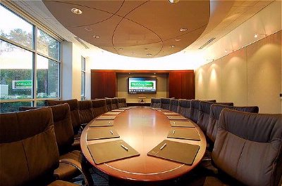 Airo Boardroom 12 of 15