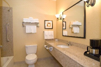 Spacious Double Queen Bathroom 9 of 12