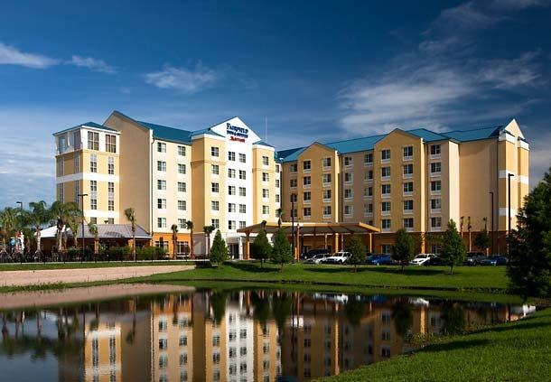 Fairfield Inn & Suites Orlando at Seaworld 1 of 8