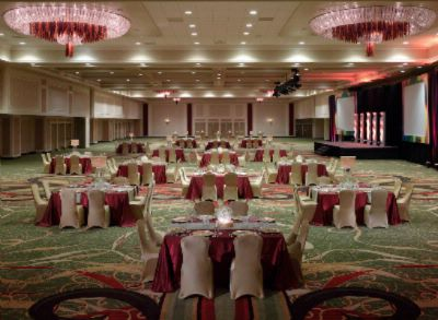 The Grand Ballroom At The New Orleans Marriott Is An Excellent Venue For A Grand Gala Social Function Or Banquet For Up To 2200 Guests. 9 of 15