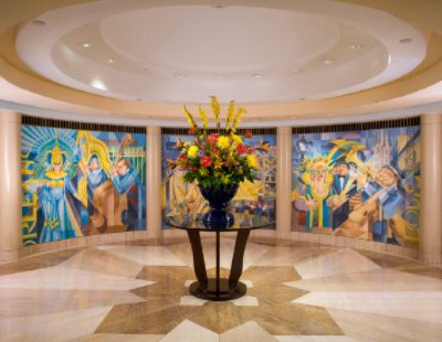 Located In The Central Business District The Jw Marriott Hotel New Orleans Boasts A Stylish Inviting Lobby. 3 of 7