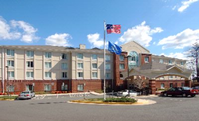 Image of Holiday Inn Express Hotel & Suites Richmond Brande