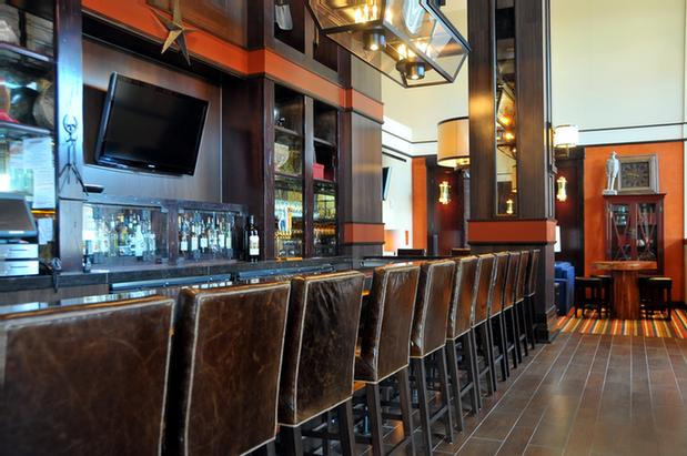 Bar And Lounge 7 of 19