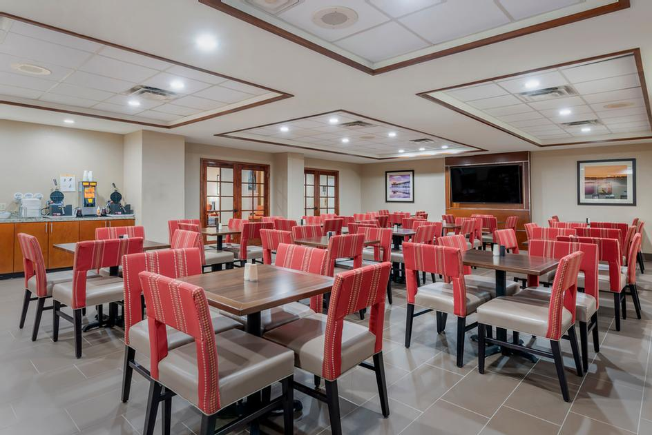 Comfort Suites Downtown Orlando Breakfast Room 6 of 19