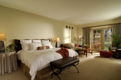 Oversized Guestrooms With Signature Luxury Collection Beds 4 of 9