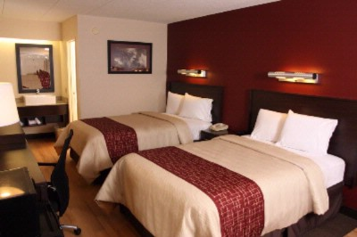 Deluxe Double Room With Microwave And Mini Fridge 5 of 8