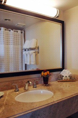 Our Suite Bathrooms Are Accented With Marble Features Complement Our Suite Bathrooms. 6 of 14