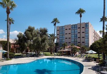 Holiday Inn Hotel & Suites Tucson Airport North 1 of 13