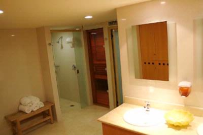 Sauna And Steam Room 15 of 16