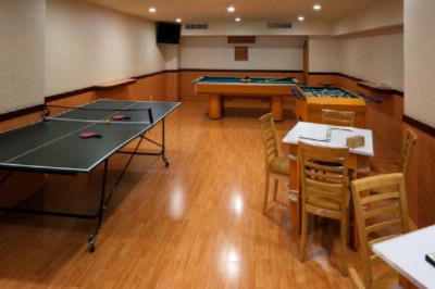 Games Room 8 of 16