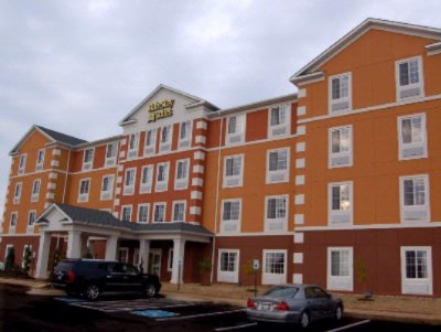 Mainstay Suites Fort Campbell 1 of 19