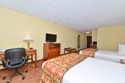 Enjoy Our Over-Sized Double Room Featuring A Microwave Refrigerator And Little Bit More Elbow Room! 10 of 18