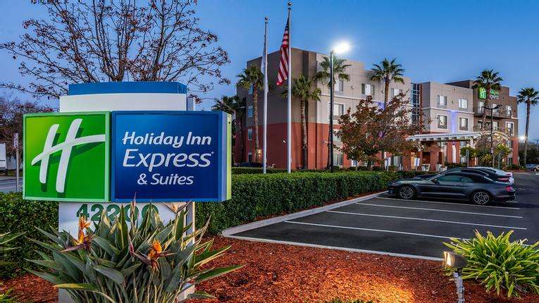 Holiday Inn Express & Suites Fremont