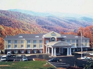 Holiday Inn Express & Suites Sylva Western Carolina Area 1 of 11
