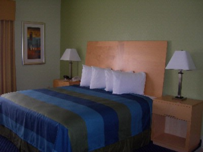 King Standard Guest Room 3 of 6
